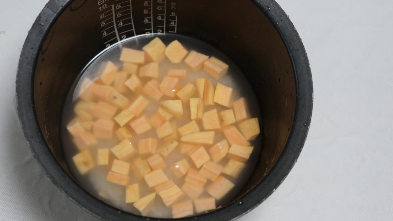 ②炊飯器で炊く